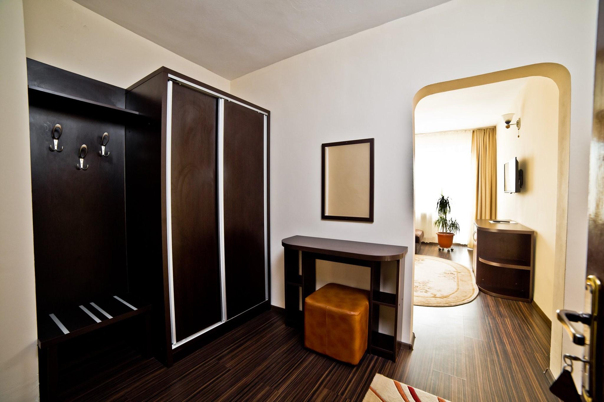 Camera dubla superioara